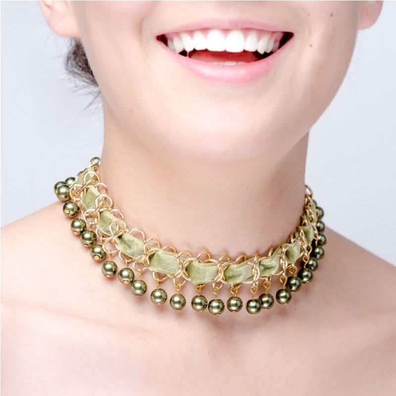 Gargantilla Perla Verde, elaborado a mano de forma artesanal, Gabriela Nuñez Diseñadora Mexicana
