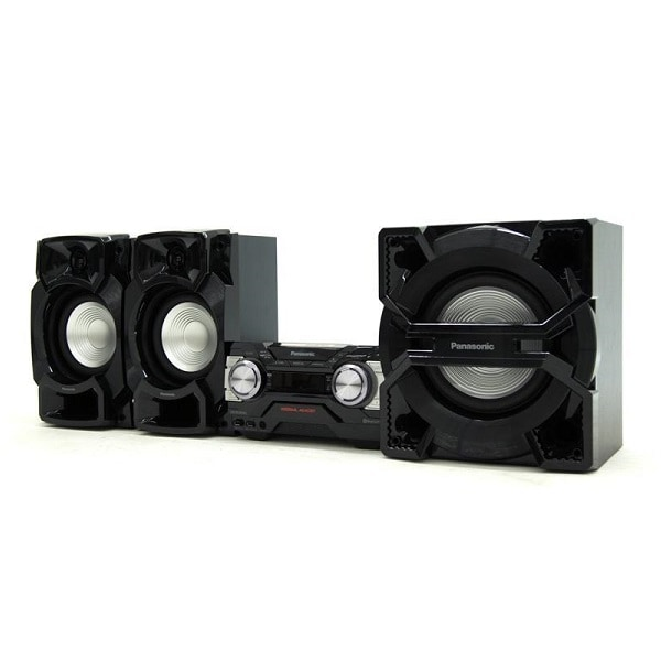 Bocina Negra Panasonic Bluetooth USB D. Bass Beat SC-AKX690