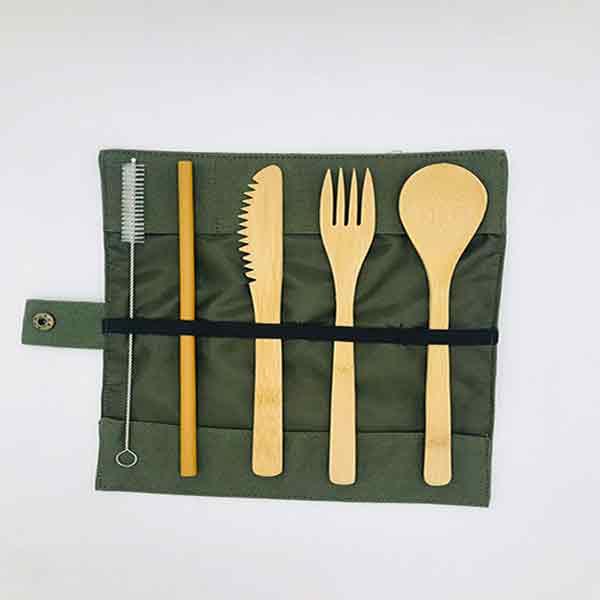Set de cubiertos cuchara, cuchillo y tenedor, palillos de bambú con popote y limpiador