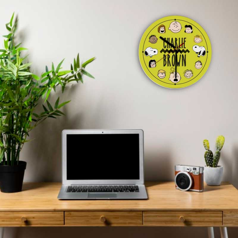 RELOJ DE PARED CIRCULAR DISEÑO CHARLIE BROWN