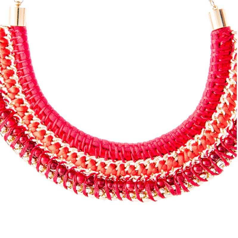 Collar Egipcio Rojo, elaborado a mano de forma artesanal, Gabriela Nuñez Diseñadora Mexicana