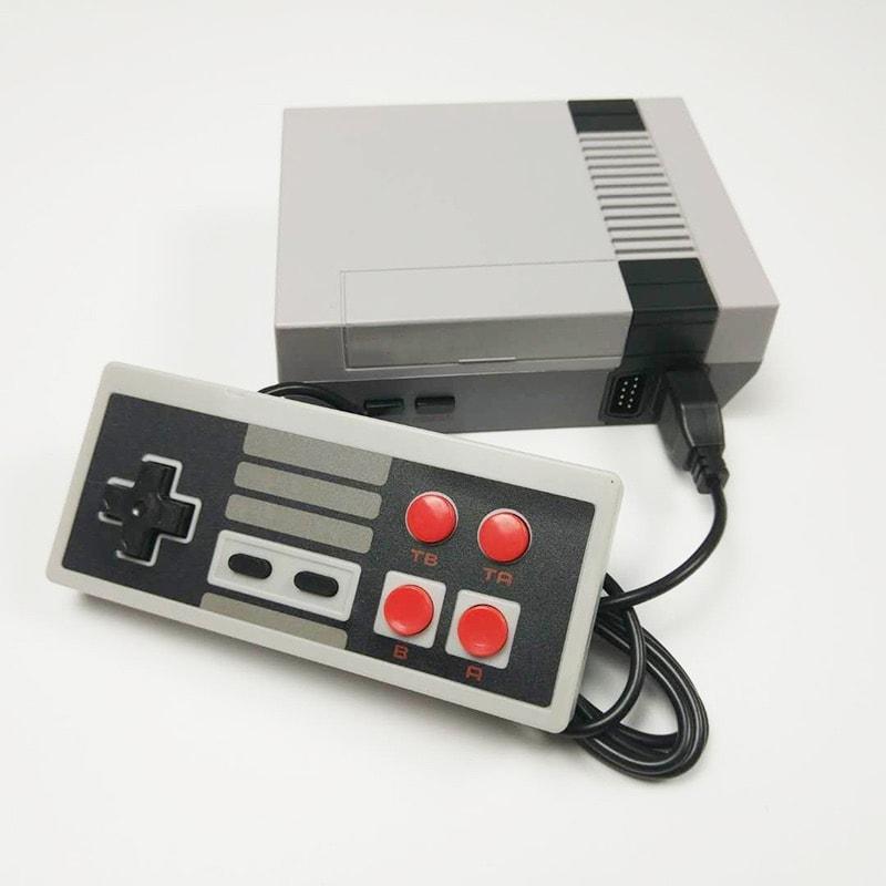 Consola Retro Clásica BUILT IN + 2 Controles con 620 Juegos Precargados