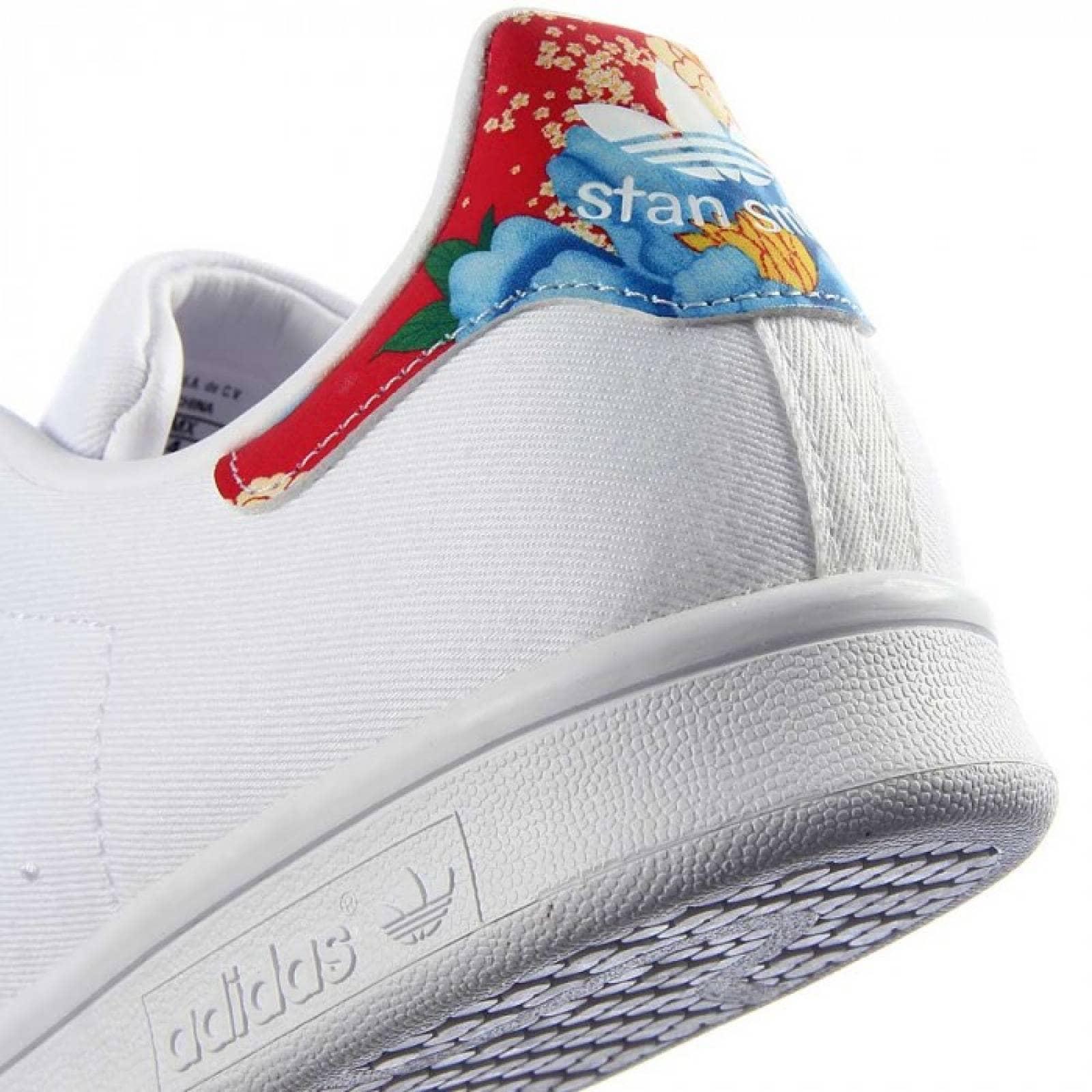 release date: c66e8 08795 Tenis adidas stan smith originals mujer blanco flores