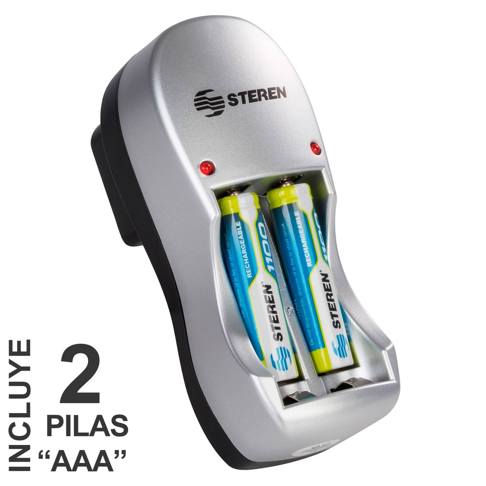 "Mini cargador de pilas ""AA y AAA"". Incluye 2 pilas AAA"