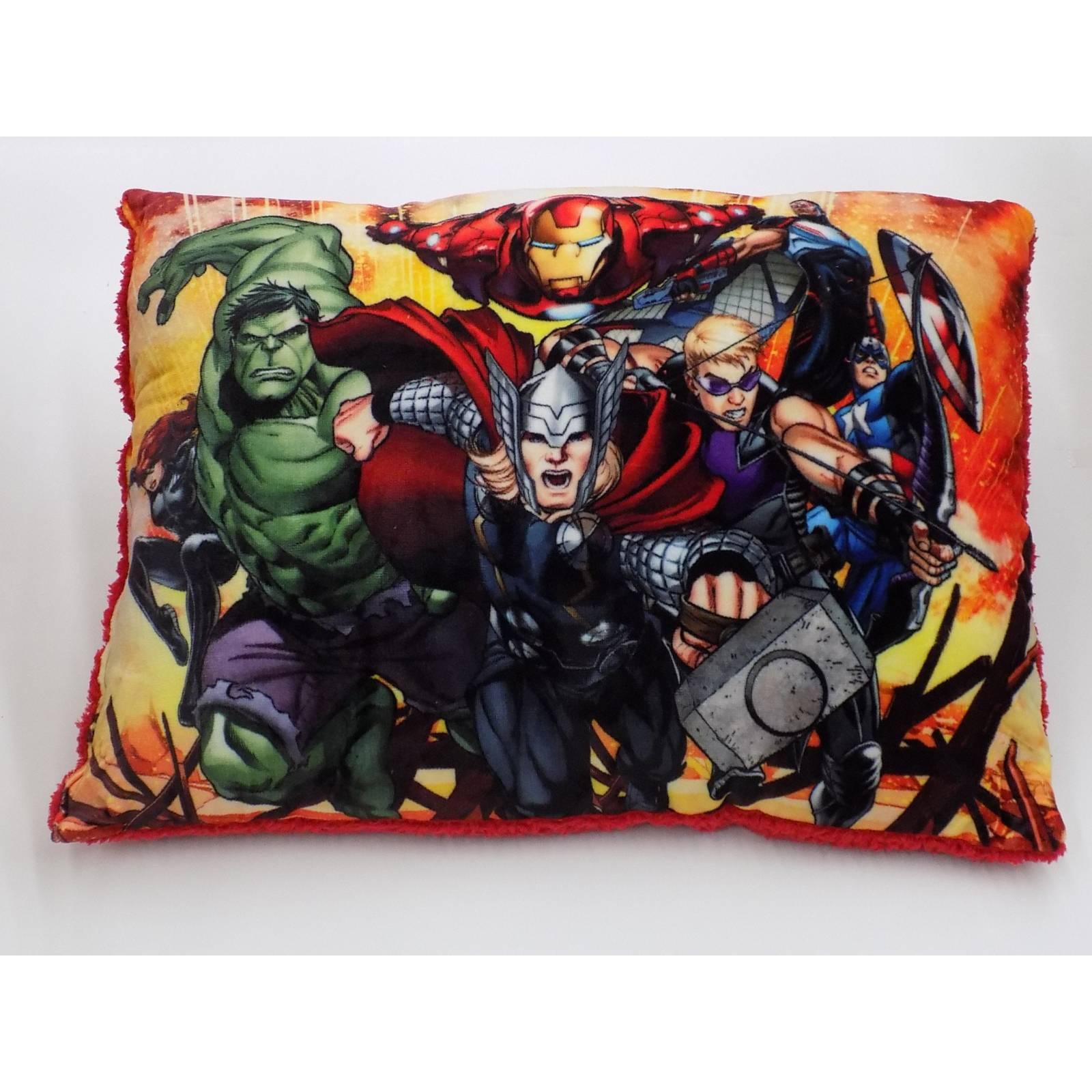 Almohada Estampada Borrego Avengers