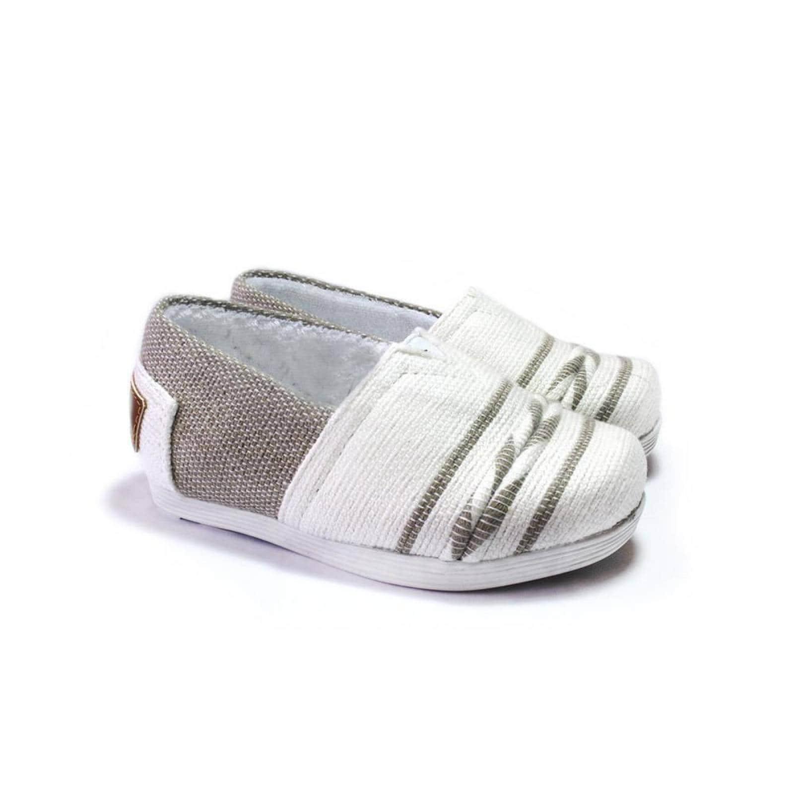 Zapato Alpargata Mini Jacinta Artesanal Tela Infantil Beige Komoni Talla: 15