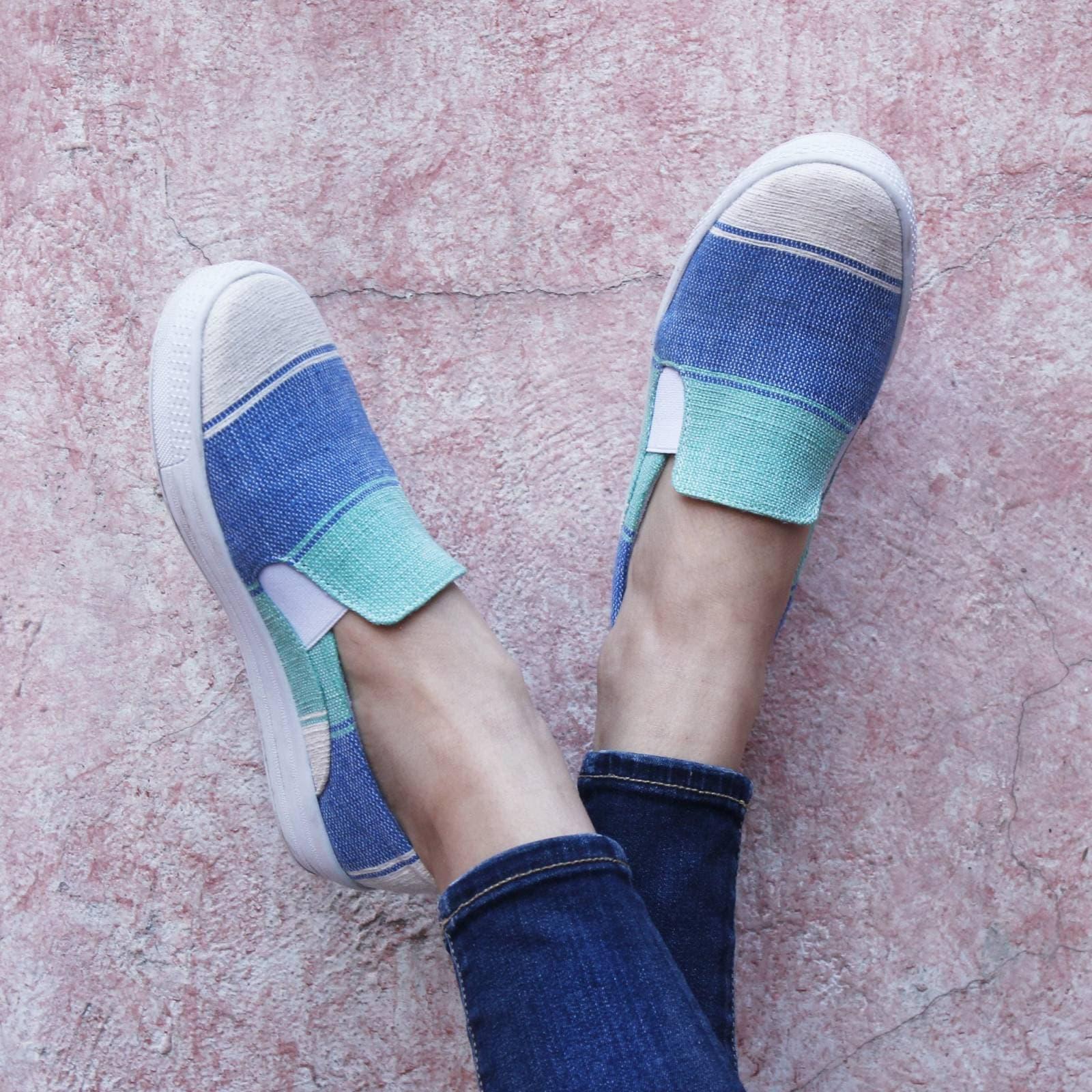 Tenis Zapato Slip On Artesanal Tela Mujer Lola Azul Komoni Talla: 25