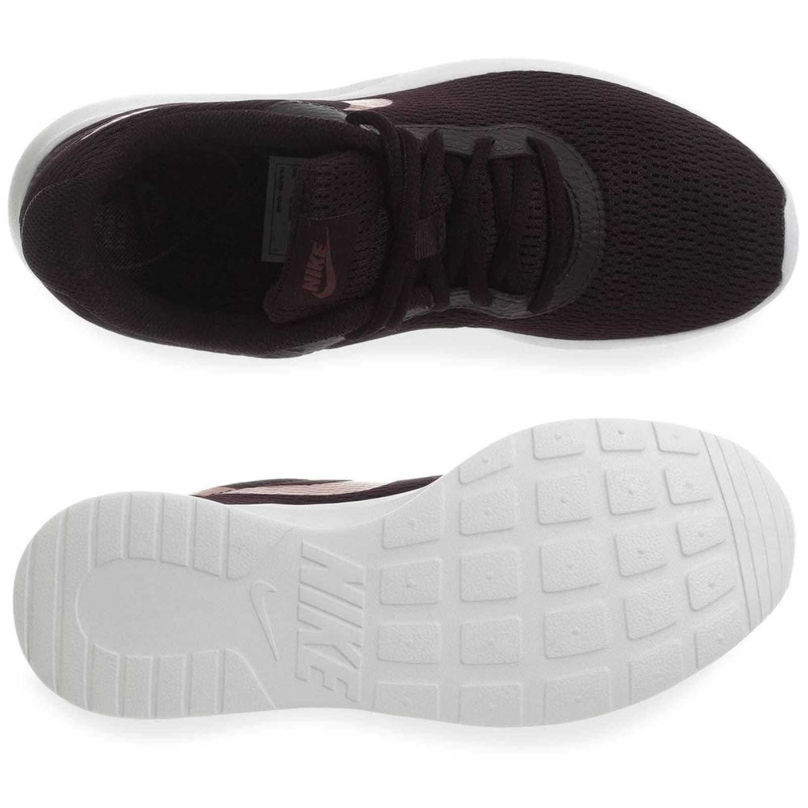 Tenis Nike Tanjun 812655607 Purpura Mujer